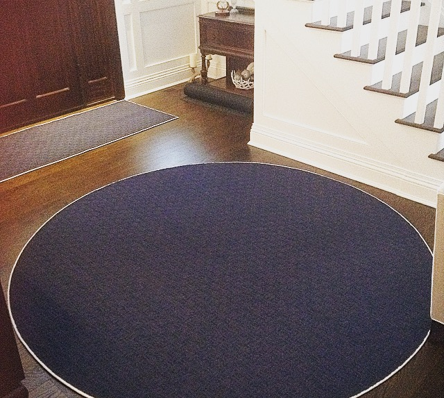 carpet-installation-phase-1-round-carpet-in foyer